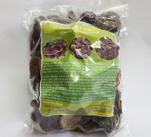 sản phẩm nấm lim xanh được đóng gói nguyên tai nguyên gốc tại công ty Nguyên Trần