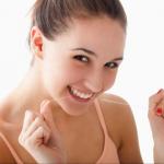 Những Thói Quen Cực Kì Nguy Hiểm Cho Răng