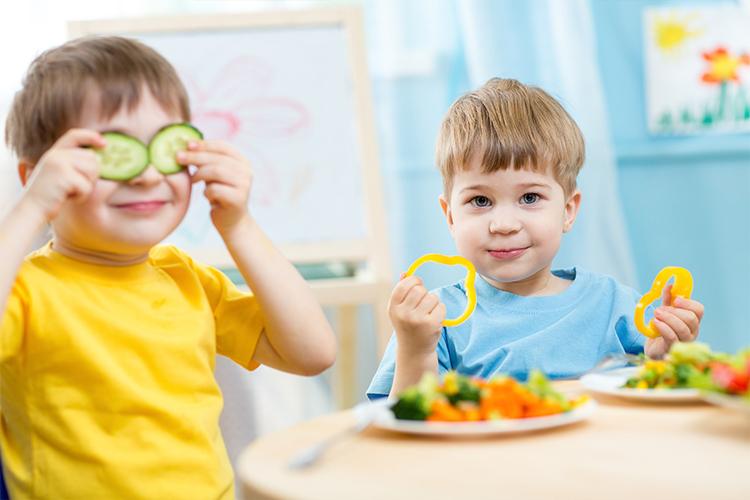 cho trẻ ăn uống hợp lý
