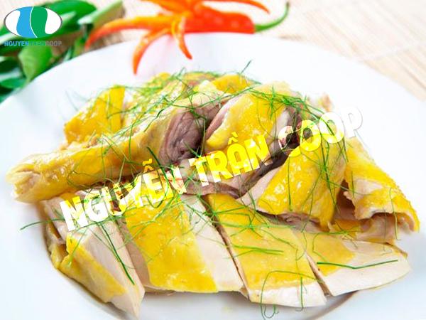 Thịt gà là thực phẩm mẹ bầu dùng con bú tăng cân nhanh