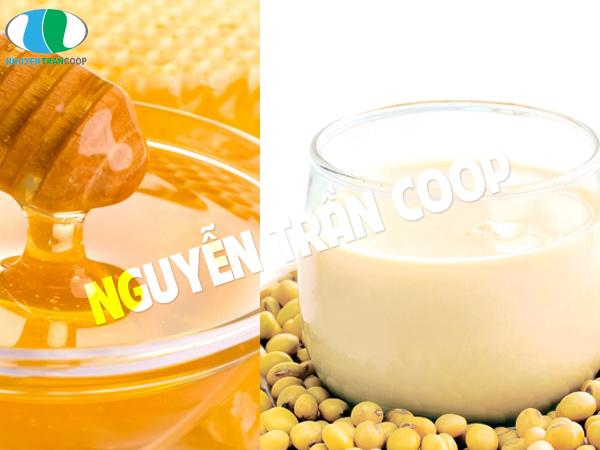 Mật ong và sữa đậu nành hoặc đậu non
