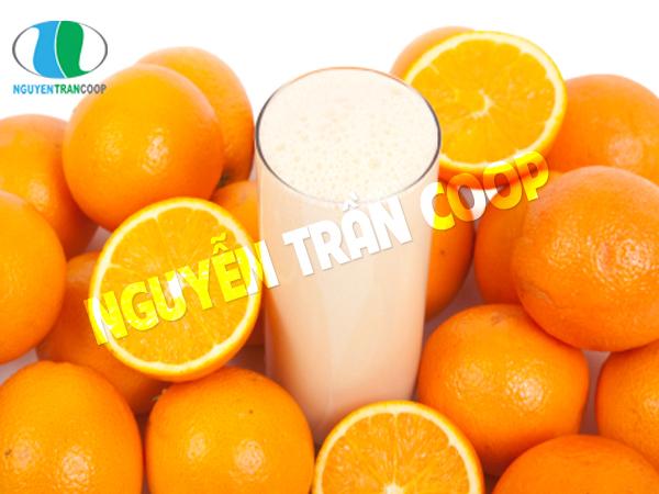 Sữa bò và nước hoa quả chua