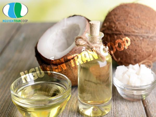 Sử dụng dầu dừa trị gàu