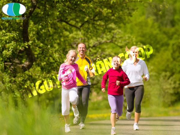 Vận động cơ thể đều đặn giúp tăng cân tự nhiên